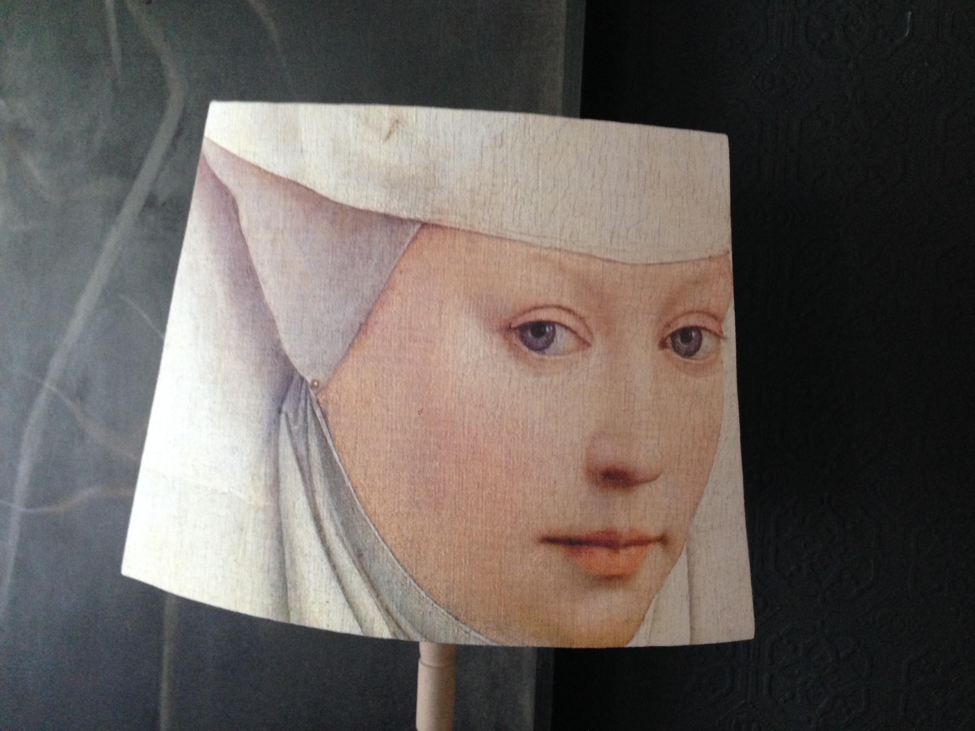Abat jour pans coupés portrait bonne soeur époque Renaissance