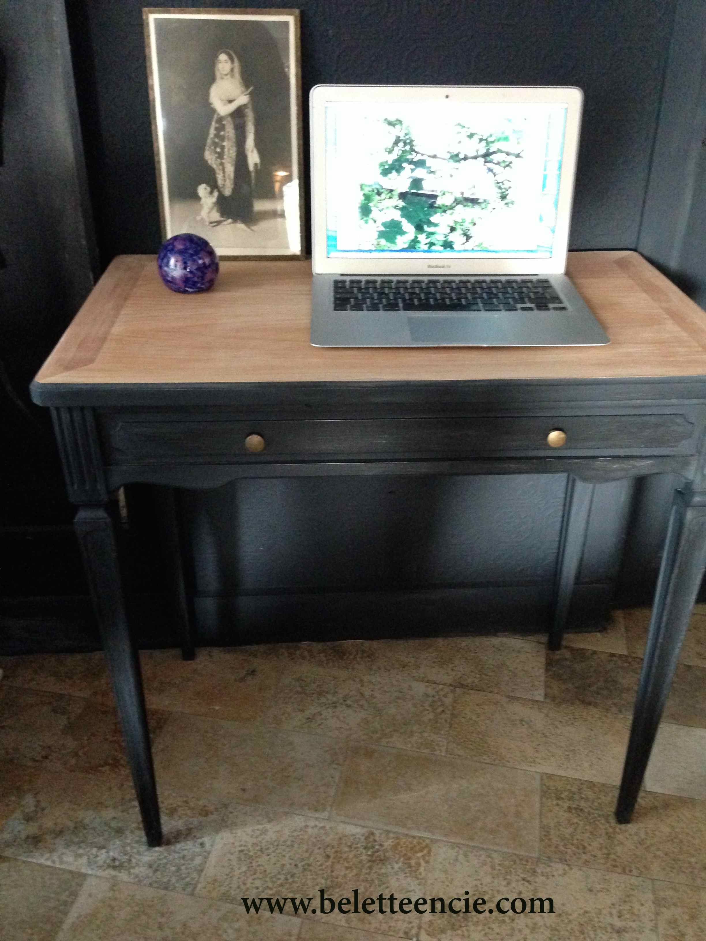 bureau mac mac bureau falsherie un bureau un meuble pour votre mac bureau mac bureau mac 28. Black Bedroom Furniture Sets. Home Design Ideas