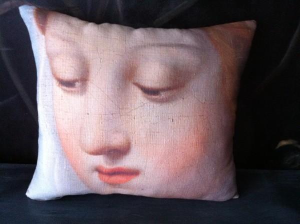 Coussin lin ancien visage Madone de Raphaël