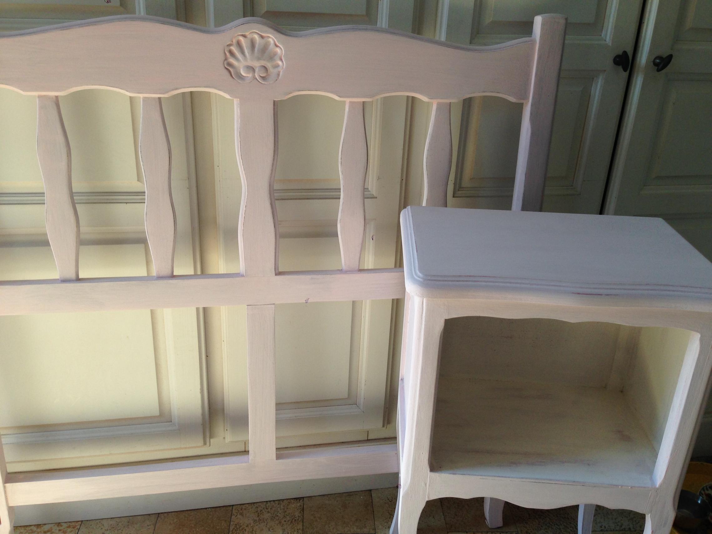 petit chevet patine chaux rose poudr e. Black Bedroom Furniture Sets. Home Design Ideas